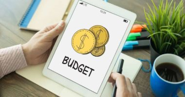How to choose a budget tracker