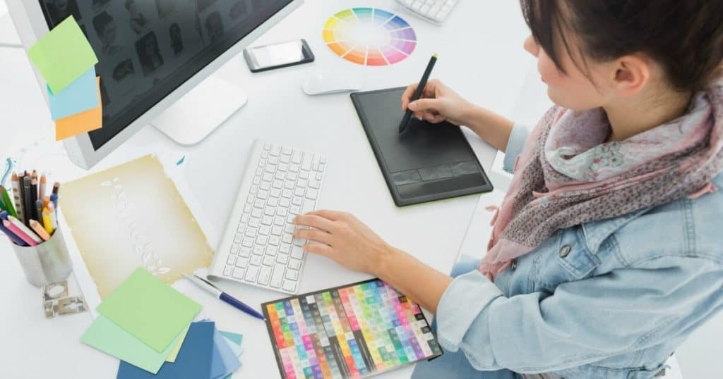 How to Start Making Money With Freelance Graphic Design