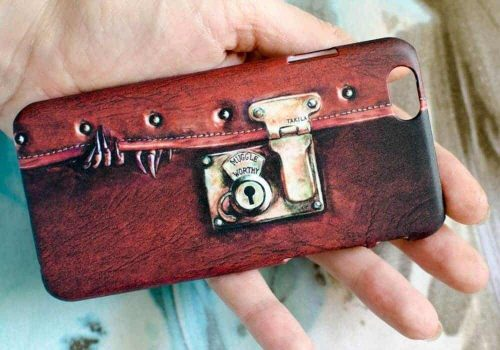 Fantastic-Beast-Iphone-Case.jpg